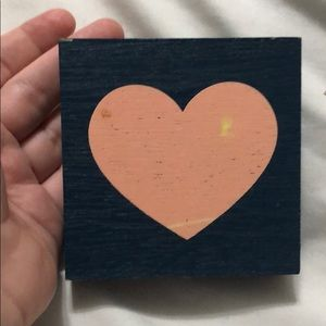 Navy blue and pink heart sign
